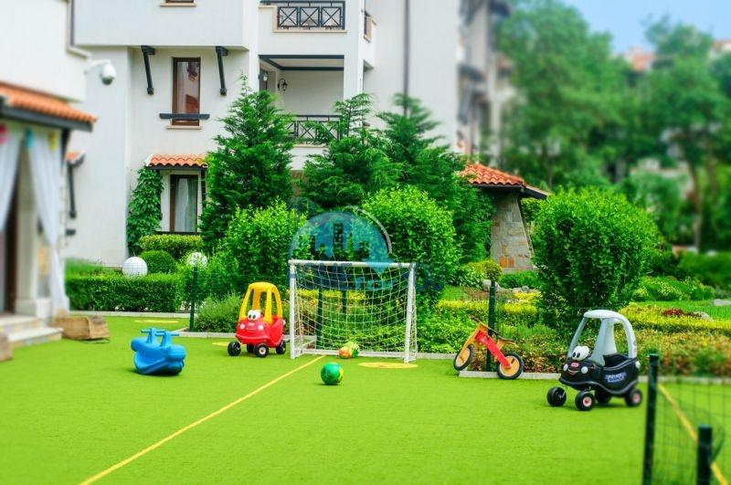 Роскошный трехкомнатный апартамент с выходом в сад с террасы в элитном Оазис Резорт и Спа, Лозенец 18
