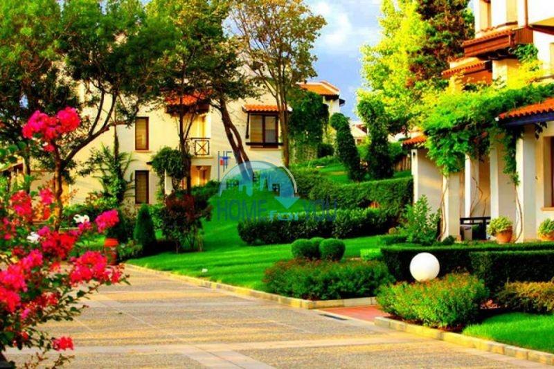 Роскошный трехкомнатный апартамент с выходом в сад с террасы в элитном Оазис Резорт и Спа, Лозенец 24