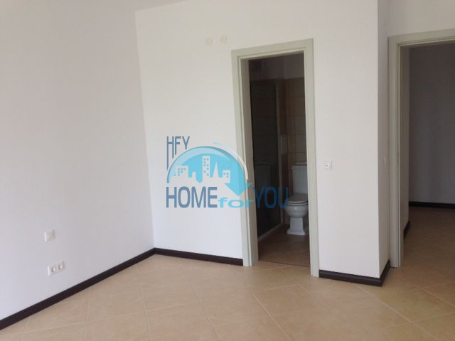 Продается трехкомнатная квартира в комплексе Оазис 7