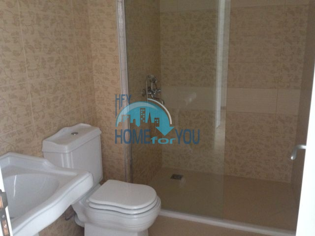 Продается трехкомнатная квартира в комплексе Оазис 8