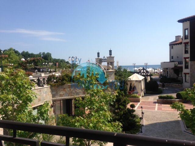 Элитная трехкомнатная квартира с прекрасным видом на море в шикарном Oasis Resort & Spa, Лозенец 8