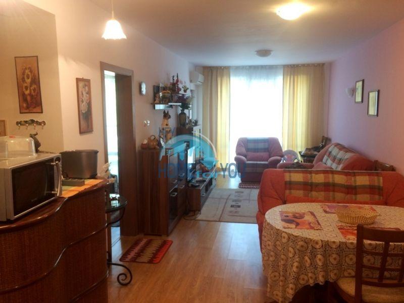 Просторная двухкомнатная квартира для ПМЖ на курорте Святой Влас