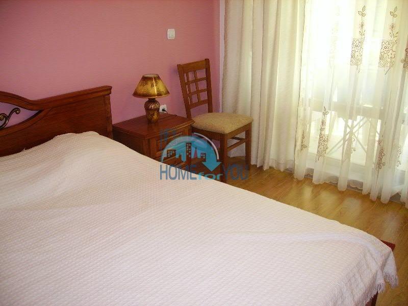 Просторная двухкомнатная квартира для ПМЖ на курорте Святой Влас 4