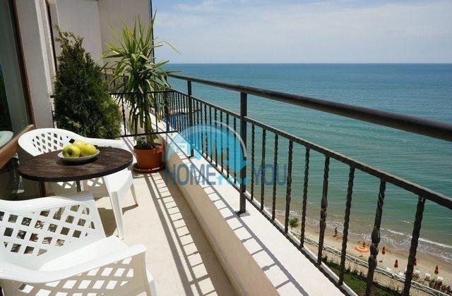 Роскошная трехкомнатная квартира с видом на море в Святом Власе