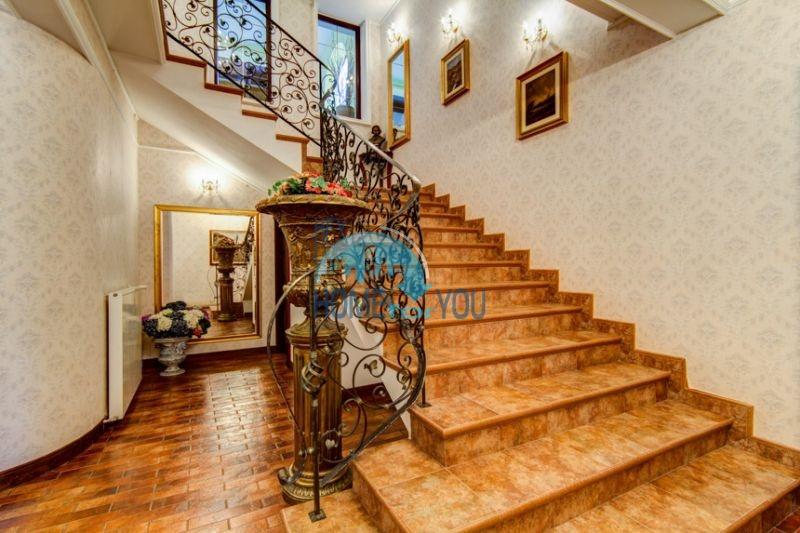 Роскошный трехэтажный дом у озера Сопот 29