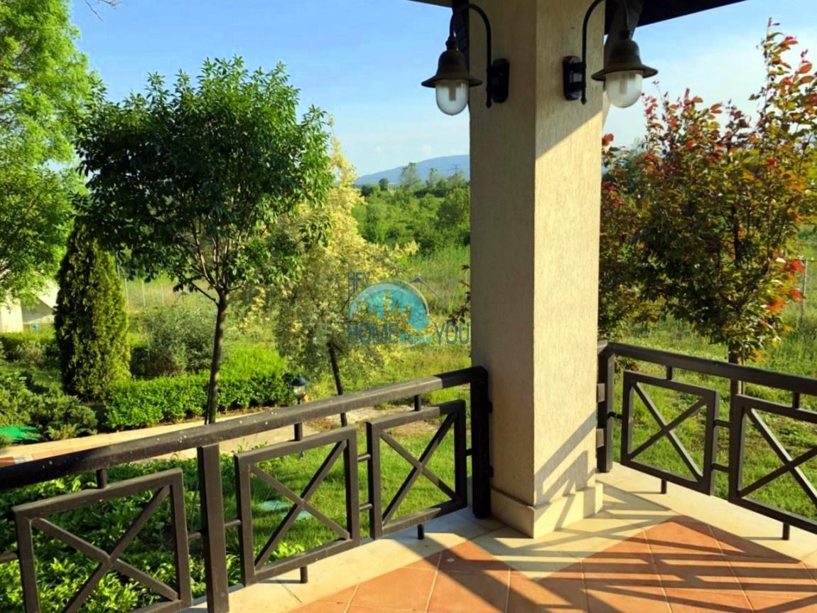 Роскошный трехкомнатный апартамент с потрясающим видом на горы и сады в комплексе класса люкс Oasis Resort & Spa, Лозенец