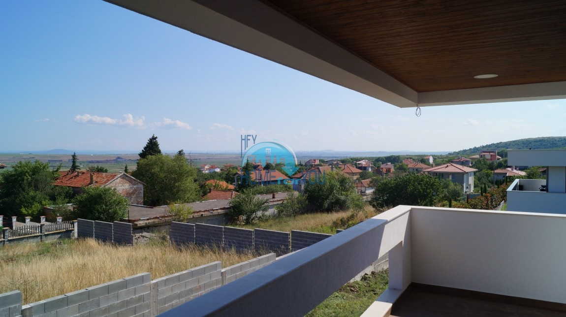 Шикарная современная вилла со своим обширным земельным участком в удивительно экологической дачной зоне около Бургаса 2