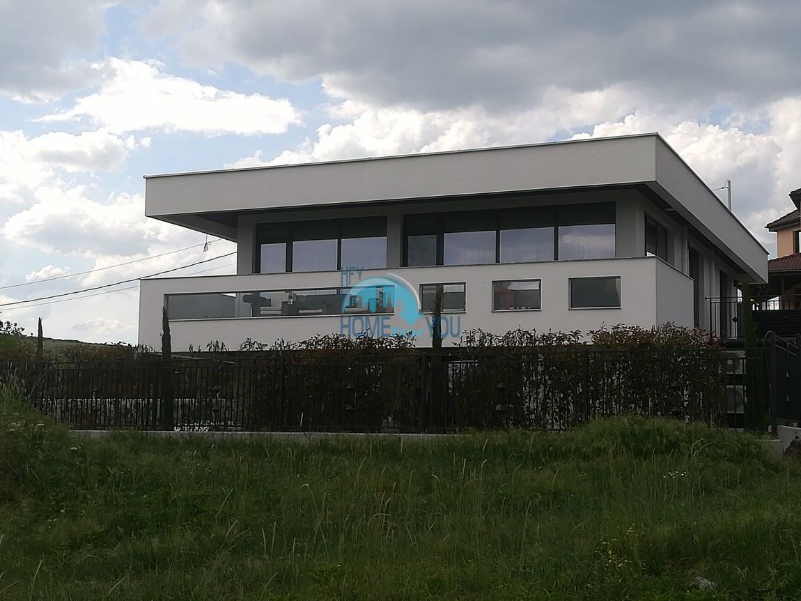 Шикарная современная вилла со своим обширным земельным участком в удивительно экологической дачной зоне около Бургаса 10