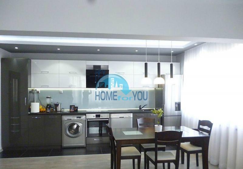 Современная квартира в престижном квартале Лазур