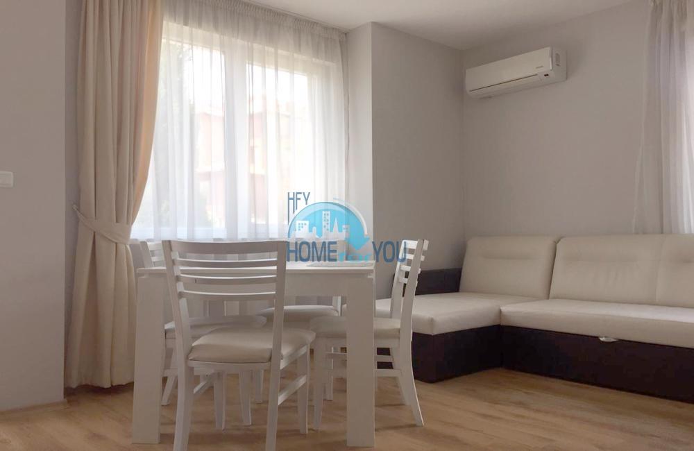 Уютный меблированный апартамент в новом жилом здании, центральная часть г. Равда