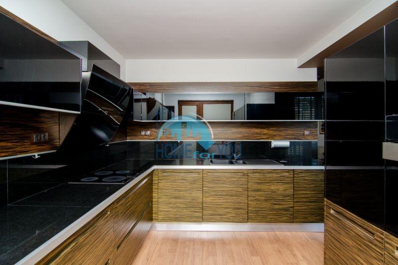Трехкомнатная квартира класса Люкс в Варне 5