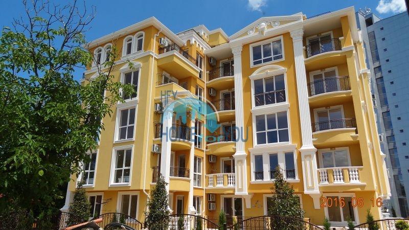 Трехкомнатная квартира с качественной отделкой в городе Несебр для постоянного проживания