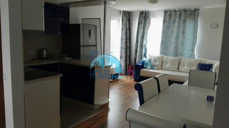 Трехкомнатная квартира с панорамным видом на море в городе Бяла