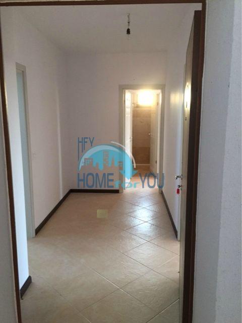 Трехкомнатная квартира в комплексе Оазис Ризорт и Спа Лозенец 3