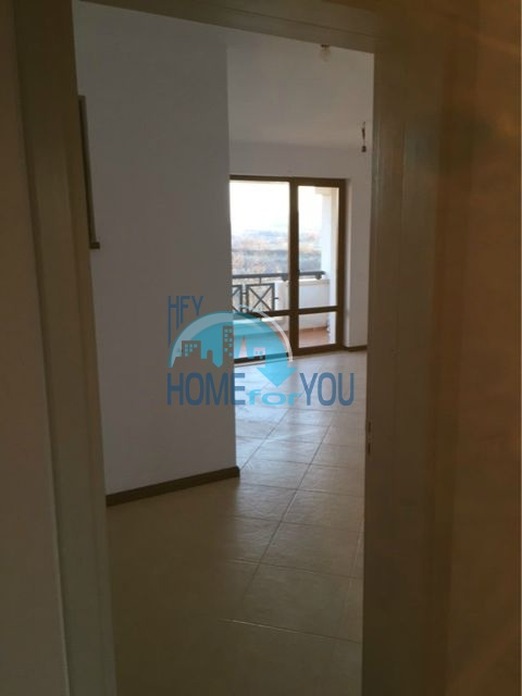 Трехкомнатная квартира в комплексе Оазис Ризорт и Спа Лозенец 4