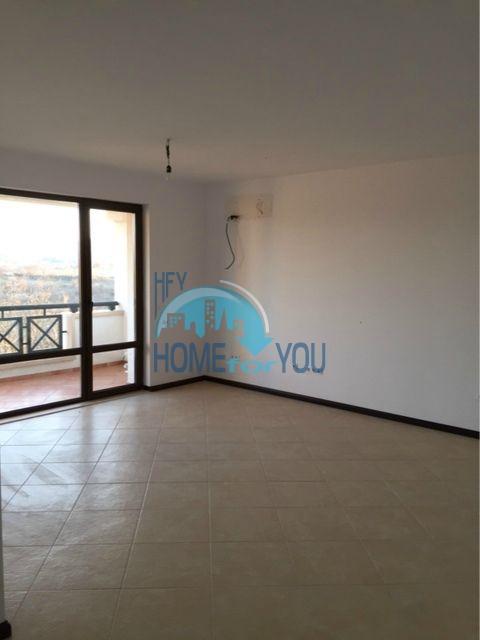 Трехкомнатная квартира в комплексе Оазис Ризорт и Спа Лозенец 5