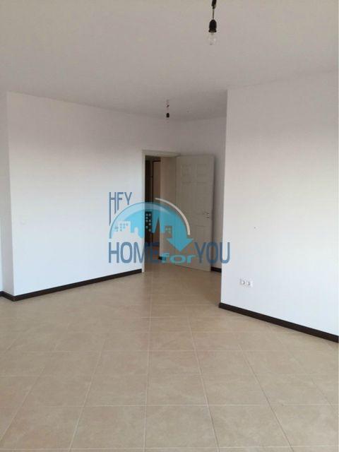 Трехкомнатная квартира в комплексе Оазис Ризорт и Спа Лозенец 7