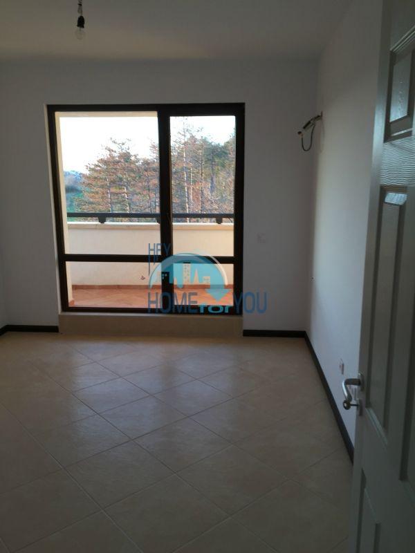 Трехкомнатная квартира в комплексе Оазис Ризорт и Спа Лозенец 13