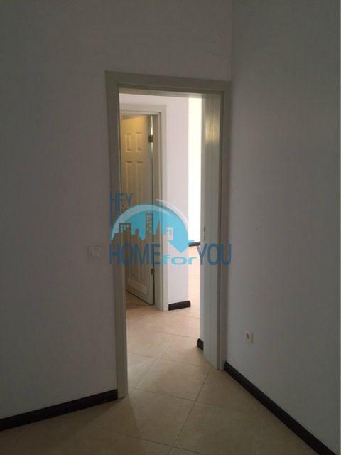 Трехкомнатная квартира в комплексе Оазис Ризорт и Спа Лозенец 14