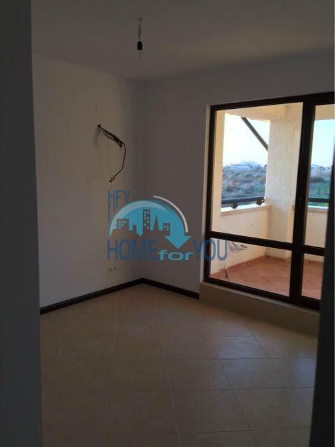 Трехкомнатная квартира в комплексе Оазис Ризорт и Спа Лозенец 16