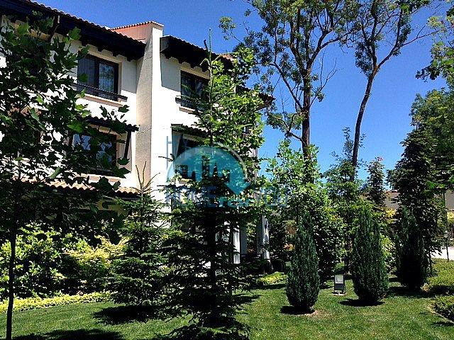 Трехкомнатная квартира в комплексе Оазис Ризорт и Спа Лозенец 23