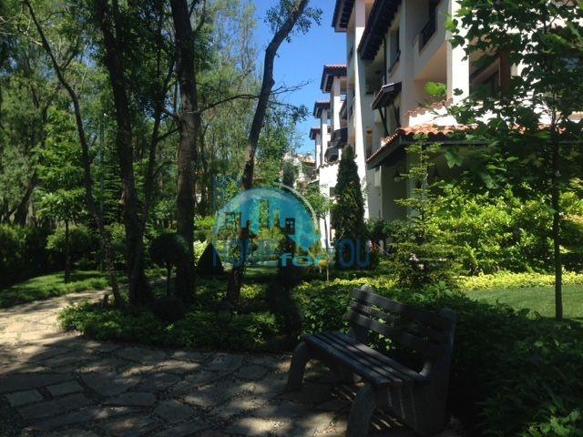 Трехкомнатная квартира в комплексе Оазис Ризорт и Спа Лозенец 25