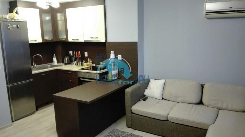 Трехкомнатная квартира в жилом комплексе Аквамарин с видом на море в Сарафово