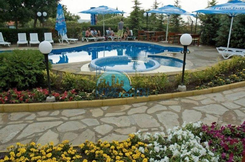 Трехкомнатнаяя квартира в 100 м от моря на курорте Золотые Пески, Варна 3