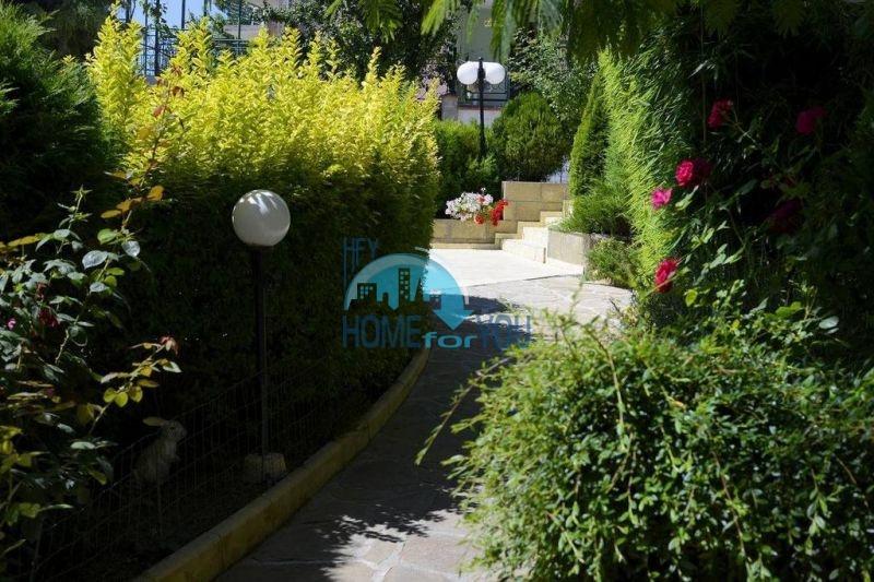 Трехкомнатнаяя квартира в 100 м от моря на курорте Золотые Пески, Варна 4