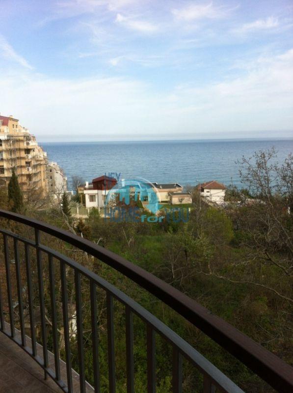 Трехкомнатнаяя квартира в 100 м от моря на курорте Золотые Пески, Варна 6