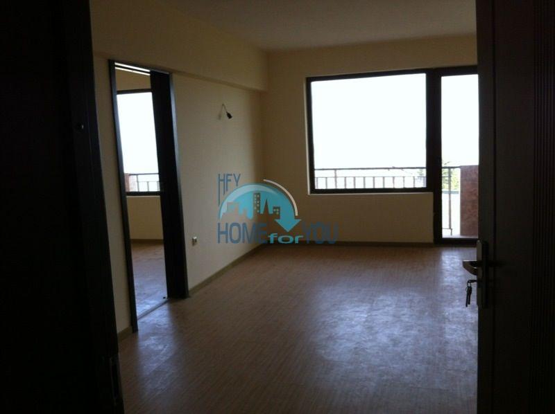 Трехкомнатнаяя квартира в 100 м от моря на курорте Золотые Пески, Варна 9