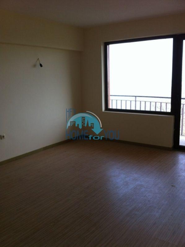 Трехкомнатнаяя квартира в 100 м от моря на курорте Золотые Пески, Варна 12