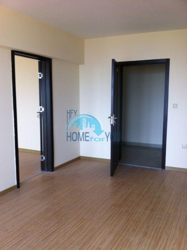 Трехкомнатнаяя квартира в 100 м от моря на курорте Золотые Пески, Варна 15