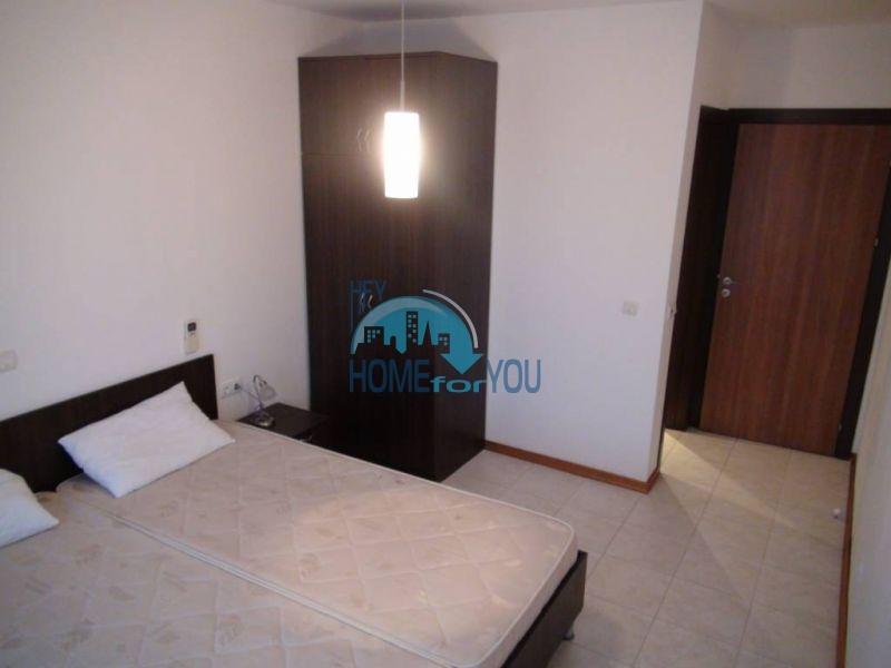 Трехспальный меблированный апартамент с видом на море на первой линии в г. Черноморец 9