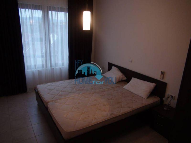Трехспальный меблированный апартамент с видом на море на первой линии в г. Черноморец 10