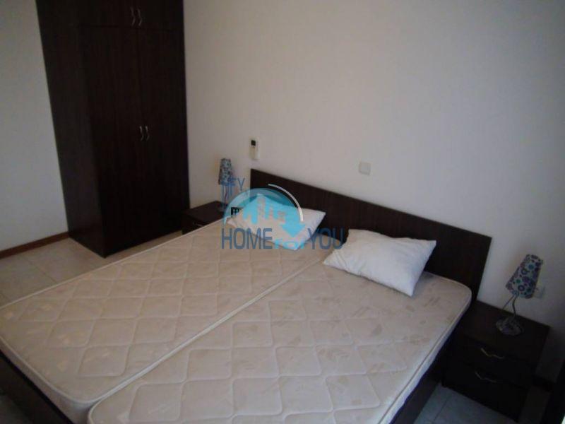 Трехспальный меблированный апартамент с видом на море на первой линии в г. Черноморец 12