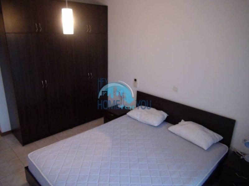 Трехспальный меблированный апартамент с видом на море на первой линии в г. Черноморец 17