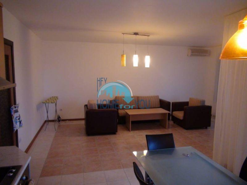 Трехспальный меблированный апартамент с видом на море на первой линии в г. Черноморец 19