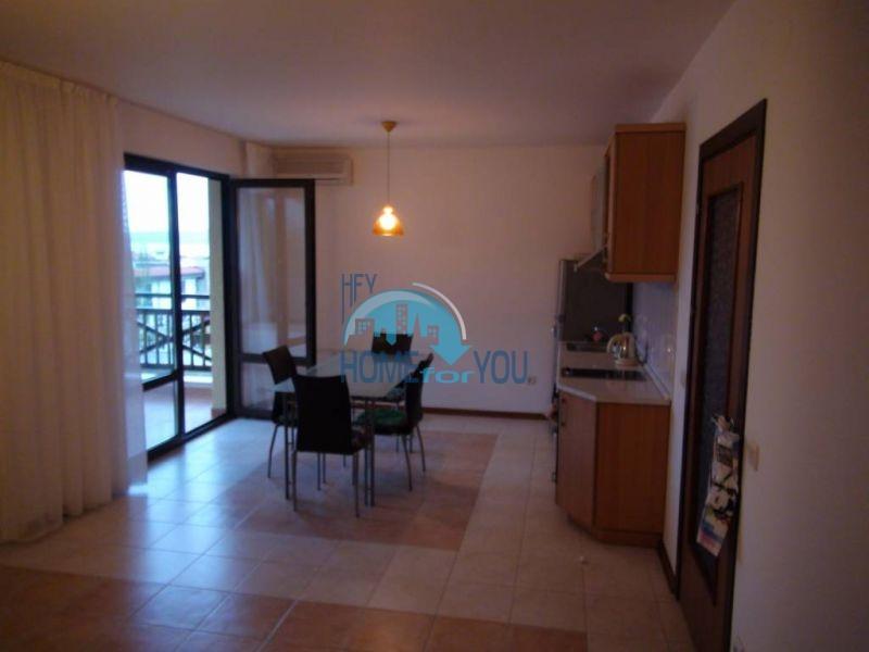 Трехспальный меблированный апартамент с видом на море на первой линии в г. Черноморец 21