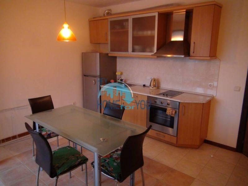 Трехспальный меблированный апартамент с видом на море на первой линии в г. Черноморец 22