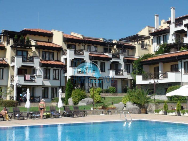 Трехспальный меблированный апартамент с видом на море на первой линии в г. Черноморец