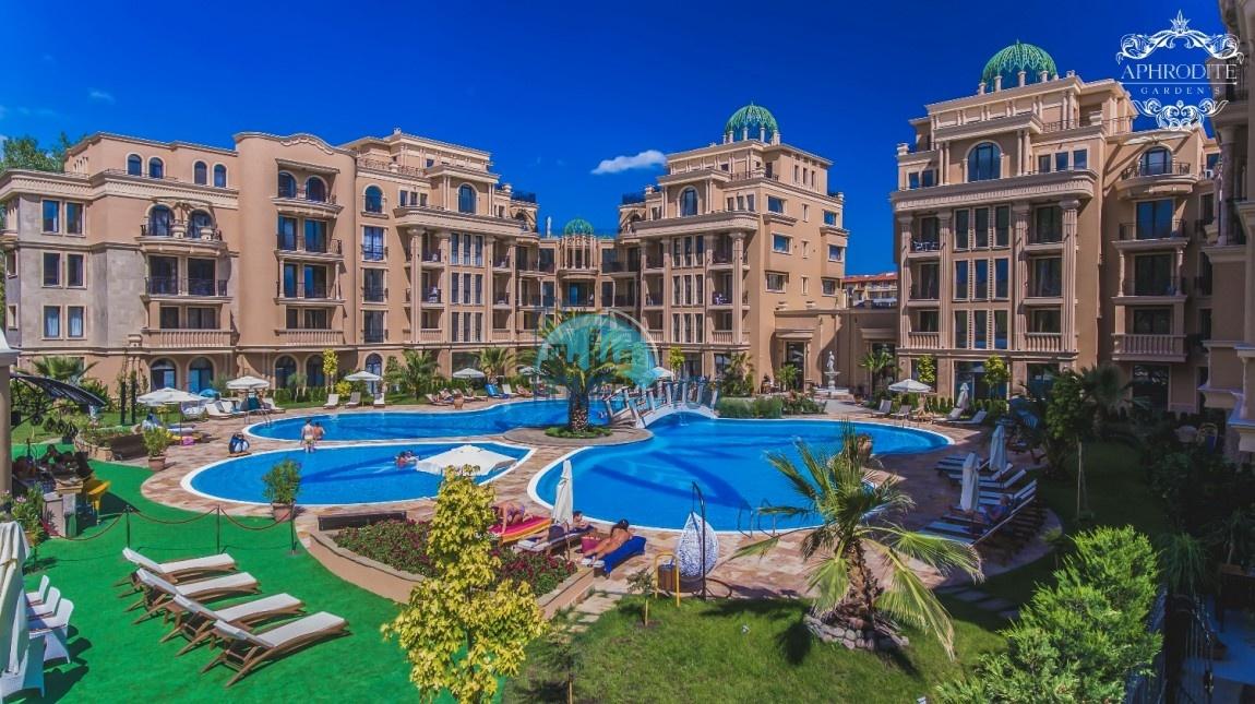 Уникальная трехкомнатная квартира с огромной террасой в ПОДАРОК!
