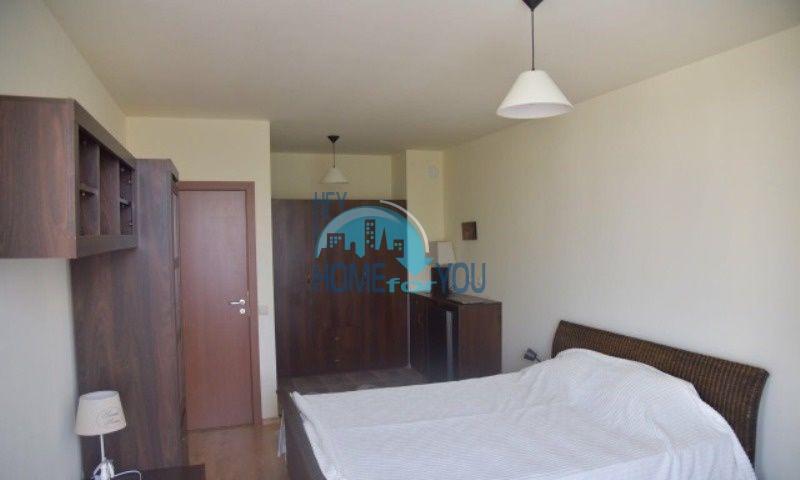 Уютная трехкомнатнная квартира на первой линии с видом на море в Равде 5
