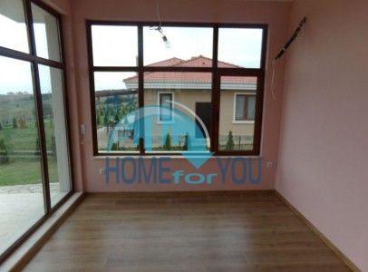 Новый готовый дом для ПМЖ в селе Близнаци 6