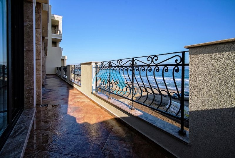 Элитные квартиры на первой линии моря - Гардения Палас 3
