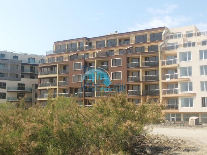 Продаются квартиры на первой линии в Поморие в комплексе Афины 9