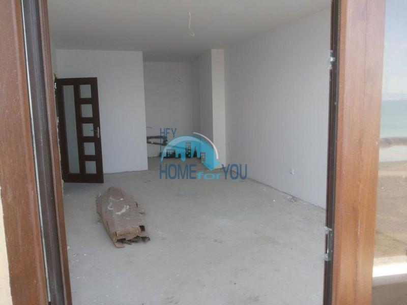 Продаются квартиры на первой линии в Поморие в комплексе Афины 15