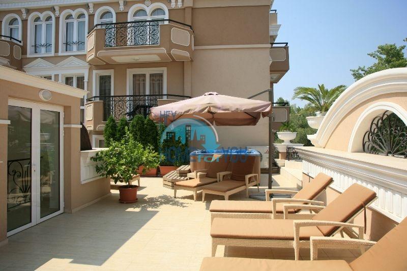 Трехкомнатная квартира в элитном комплексе на Солнечном берегу 3