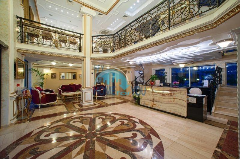 Трехкомнатная квартира в элитном комплексе на Солнечном берегу 6
