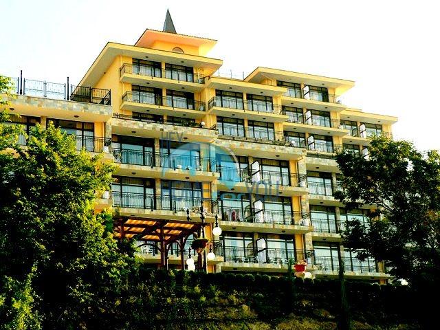Первая линия в Святом Власе - апартаменты в комплексе